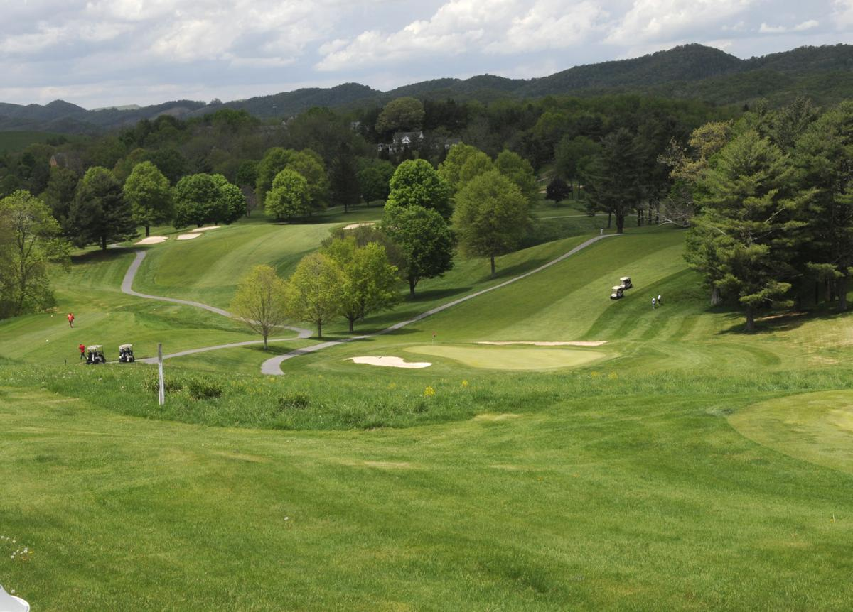 amateur players tour golf tournament
